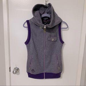 Burton Dryride Hooded Sleeveless vest.
